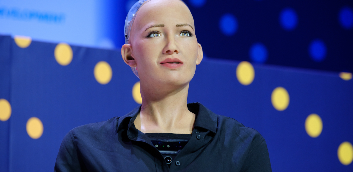 Humanoid Robot Sophia To Auction NFT On Nifty Gateway