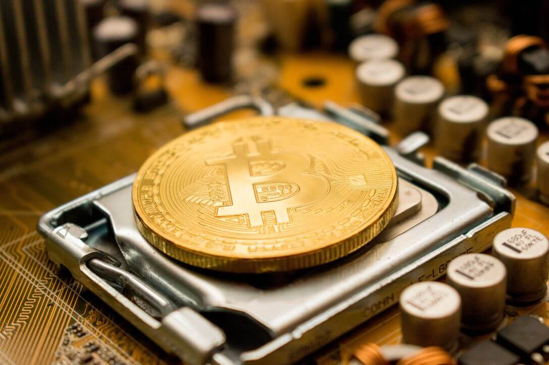 Should You Invest in Bitcoin? Don't Ask the Billionaires, Follow their Money